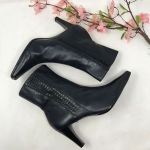 Michelle D Navy Blue Leather Heeled Boots 7 M